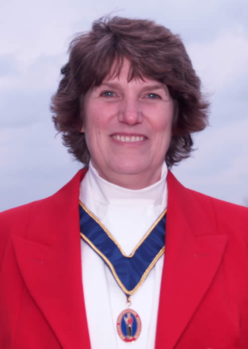 Toastmaster in Wiltshire Lizbeth Adams loves weddings and will help to make your event very special