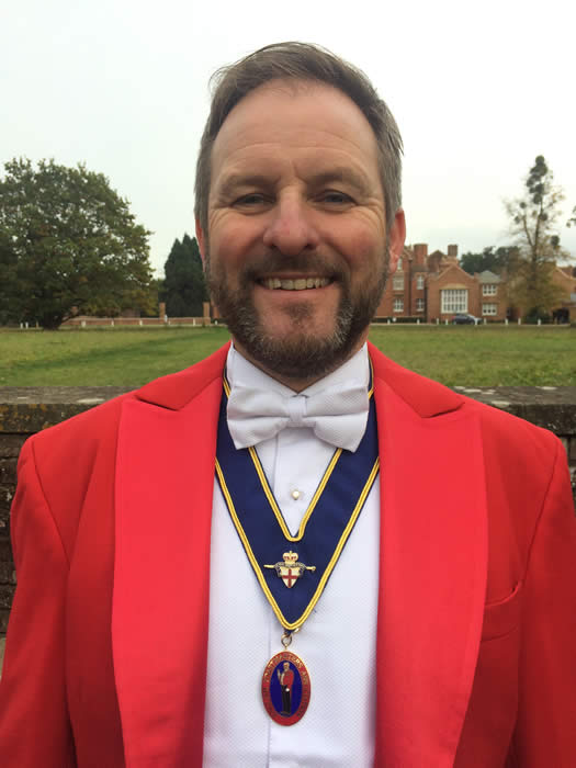 Oxfordshire Northamptonshire and Warwickshire toastmaster, celebrant and master of ceremonies Russell Fowler